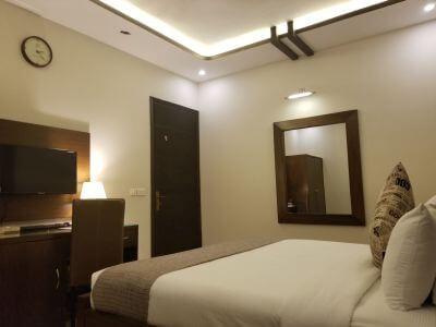 Hotel Room C