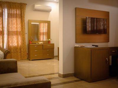 Zifan Suite