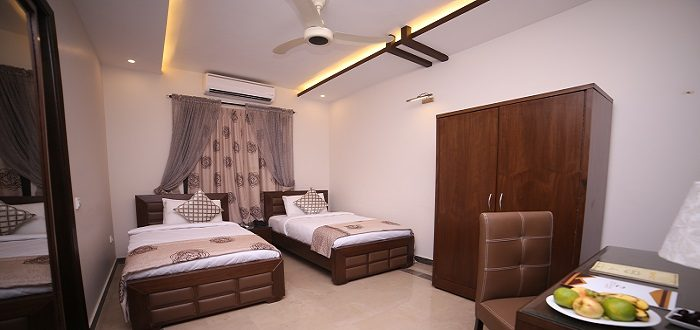 BUSINESS ROOM – Twin Beds